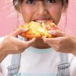 Εύκολη σπιτική πίτσα