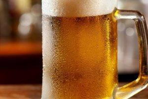 Κορωνοϊός - Γερμανία: 2.600 λίτρα μπίρας μοιράστηκαν δωρεάν από ζυθοποιείο