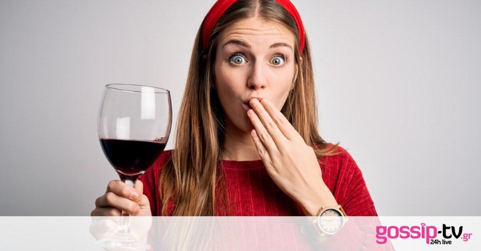 Κόκκινο κρασί: Τι προκαλεί στα δόντια και πώς θα προστατευθείτε