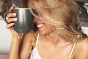 Μάθε σε 1': «Μπορώ να πίνω καφέ ενώ υποβάλλομαι σε εξωσωματική γονιμοποίηση;» - Shape.gr