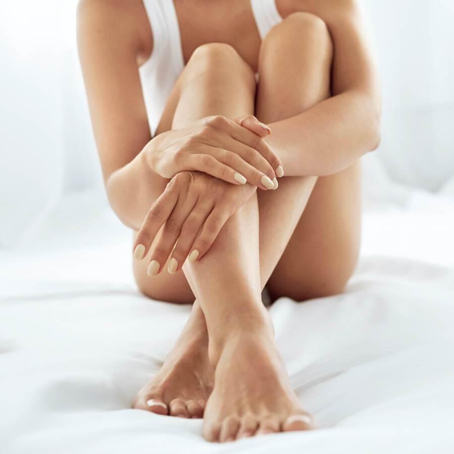 Περιποίηση σώματος: Τι να κάνεις για σκασμένα πόδια, ξεφλούδισμα, ροδόχρου ακμή - Shape.gr
