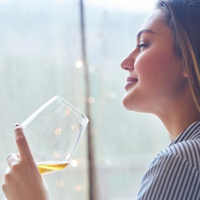 7 πράγματα που θα συμβούν στο σώμα μας όταν κόψουμε το αλκοόλ - Shape.gr