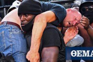 Βρετανία: Ποιος είναι ο λευκός άνδρας που μετέφερε στους ώμους ο μαύρος διαδηλωτής το περασμένο Σάββατο;