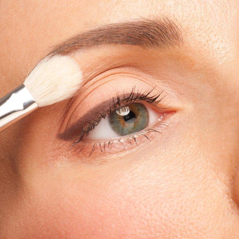 Μακιγιάζ ματιών για λαμπερό βλέμμα: Τα top tips που πρέπει να ξέρουμε - Shape.gr