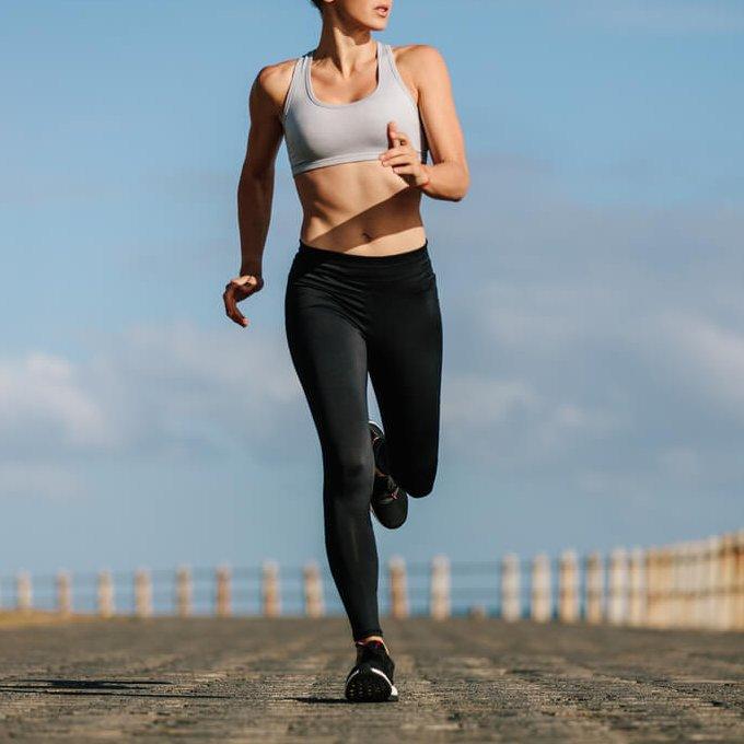 Πόσες θερμίδες καίω με τρέξιμο, γιόγκα, zumba και άλλα 3 βασικά είδη άσκησης - Shape.gr