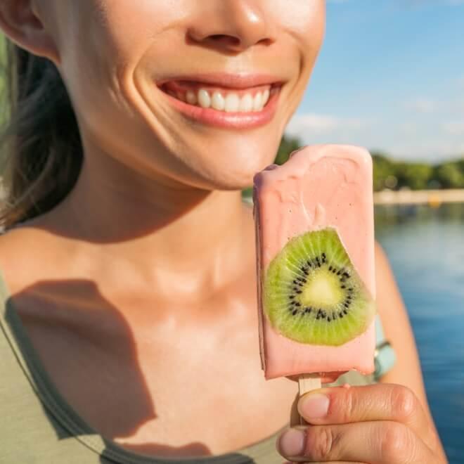 Πώς θα τρώω σωστά σνακ για να χάσω βάρος; Οι υποδείξεις του διαιτολόγου - Shape.gr