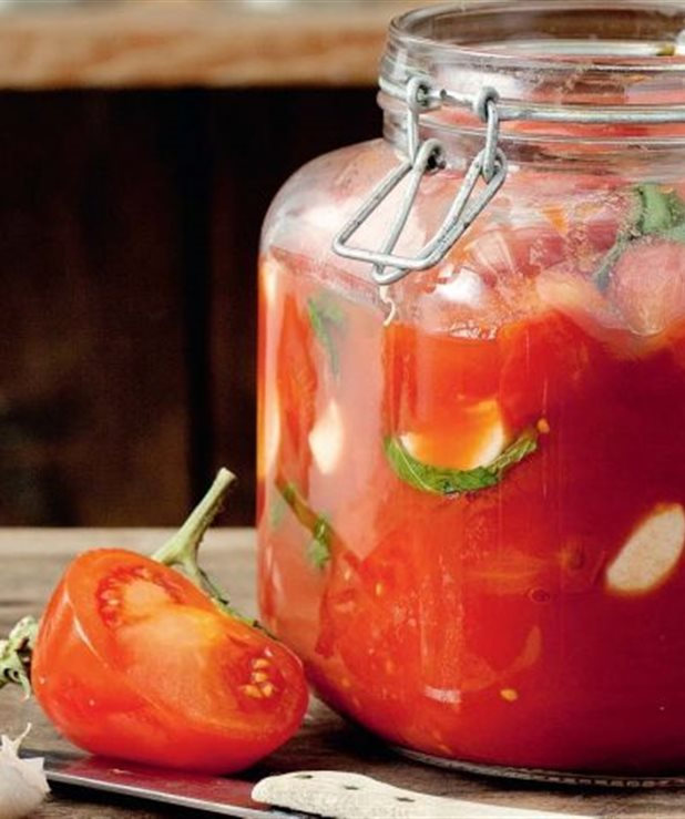 Συντήρηση ντομάτας σε βάζο και κατάψυξη
