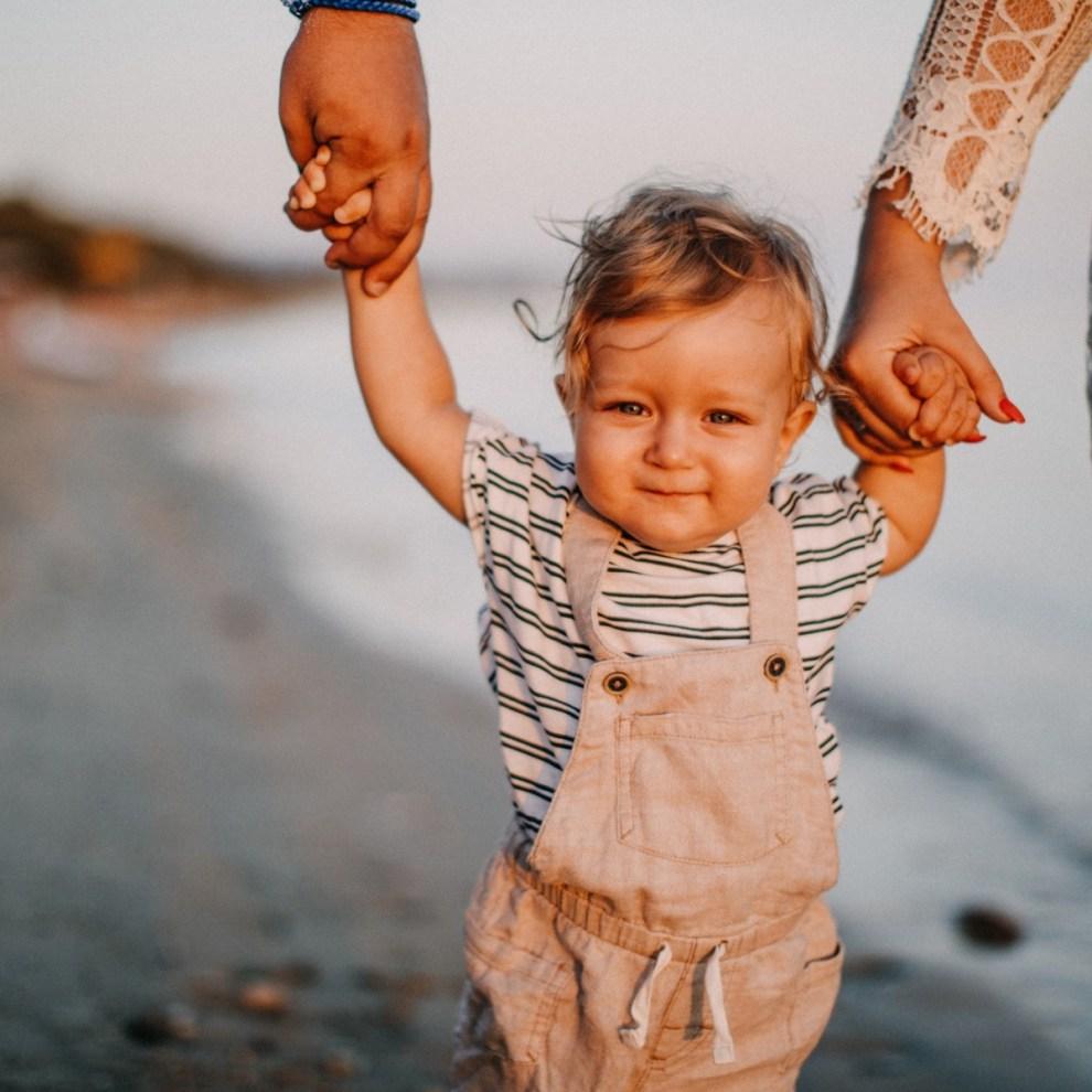 11 μικρά πράγματα που μπορείς να κάνεις με το παιδί σου το καλοκαίρι - Shape.gr