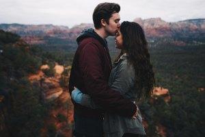 7 «καμπανάκια» ότι βρίσκεσαι σε λάθος σχέση