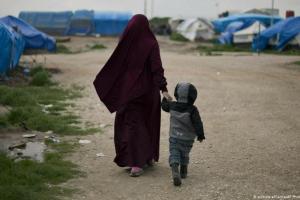 Κατατρεγμένοι από πόλεμο, πείνα και κορωνοϊό | DW | 02.07.2020