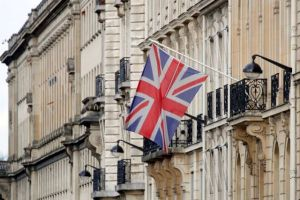Brexit: Λονδίνο – Βρυξέλλες επιχειρούν να γεφυρώσουν το μεταξύ τους χάσμα