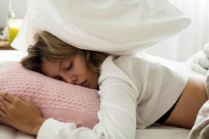 Δεν κοιμάσαι καλά; Ανακάλυψε 4 πιθανές αιτίες και τι να κάνεις - Shape.gr