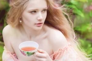 Χωρίς φάρμακα: 8 βότανα που κάνουν καλό στην υγεία (Ρίξε το ζάχαρο, σβήσε την ακμή με το σωστό βότανο!) - Shape.gr