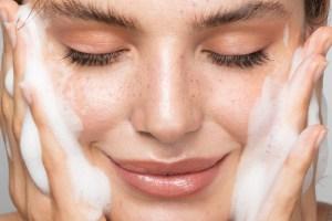 25 βήματα για να έχεις τέλειο και λαμπερό δέρμα χωρίς στίγματα και κηλίδες - Shape.gr