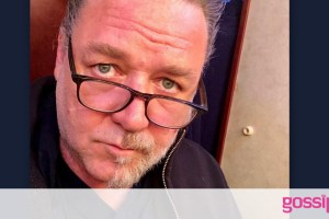 Russell Crowe: Έφαγε… πόρτα από τα παιδιά του