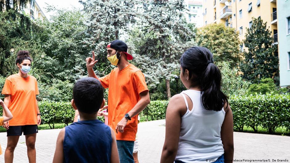Ιταλία: Μετ΄ εμποδίων η έναρξη της σχολικής χρονιάς | DW | 15.09.2020