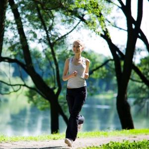 Πρόγραμμα για περπάτημα: Περπάτα 3 φορές την εβδομάδα και φόρα ένα νούμερο μικρότερο σε 1 μήνα - Shape.gr