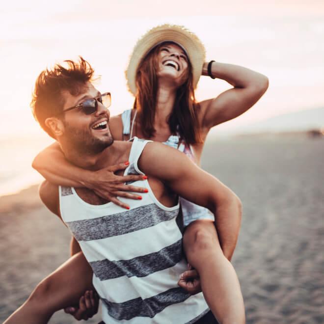 Τι να κάνεις αν ο σύντροφός σου παραπονιέται πως πονάει η μέση του μετά το σεξ; - Shape.gr