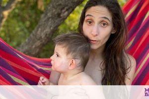 Φωτεινή Αθερίδου: Ο γιος της έγινε ενός - Δείτε τον να σβήνει την τούρτα