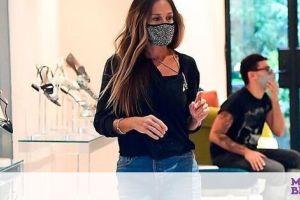 Aniston και S.J.Parker έχουν πάθει εμμονή με αυτές τις μάσκες προστασίας