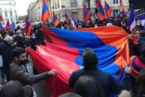 Γαλλία: Κραυγή αγωνίας των Αρμενίων για το Καραμπάχ | DW | 21.10.2020