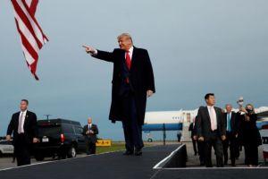 Τραμπ : Υπόσχεται σχέδιο ανάκαμψης… μετά τις εκλογές
