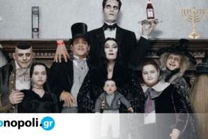 Tιμ Μπάρτον: Παραγωγός και σκηνοθέτης σε νέα live-action σειρά για την «Οικογένεια Άνταμς»