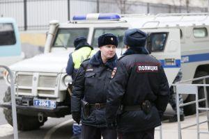 Αγία Πετρούπολη : Παραδόθηκε ο πατέρας που κρατούσε ομήρους τα παιδιά του - Ειδήσεις - νέα - Το Βήμα Online