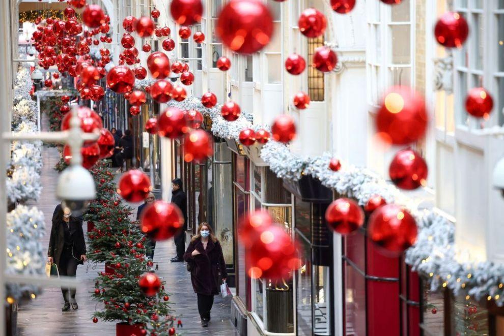Βρετανία : Μέχρι τρεις οικογένειες μαζί οι γιορτές των Χριστουγέννων - Ειδήσεις - νέα - Το Βήμα Online