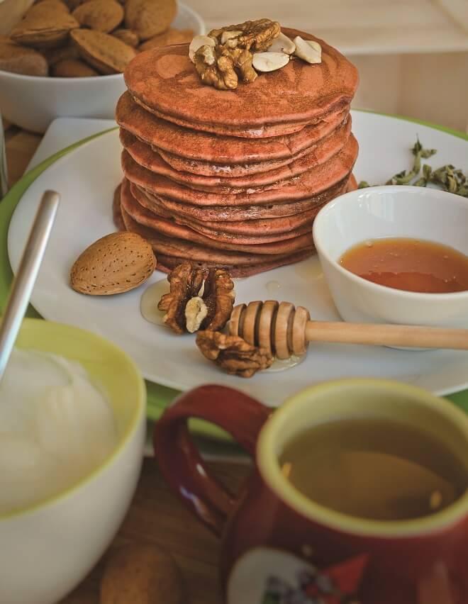 Τηγανίτες ολικής άλεσης με παντζάρι - το τέλειο πρωινό και για τα παιδιά! - Shape.gr