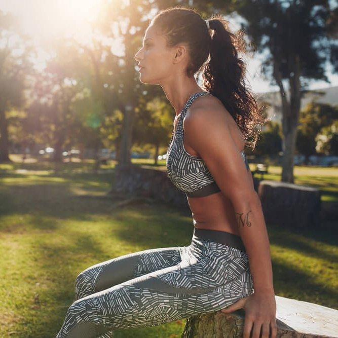 Βurpees: Πώς θα κάνεις την ΚΟΡΥΦΑΙΑ άσκηση ΠΟΥ ΚΑΙΕΙ 10 ΘΕΡΜΙΔΕΣ ΤΟ ΛΕΠΤΟ! - Shape.gr