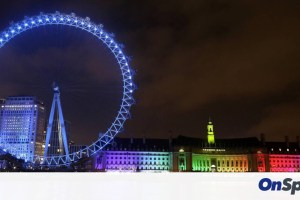Βρετανία: Τα κτήρια γίνονται μπλε, σε υποστήριξη του συστήματος υγείας που παλεύει με τον ιό
