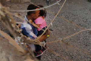 ΗΠΑ: Νομοσχέδιο για απόκτηση ιθαγένειας σε οκτώ χρόνια προτείνει ο Μπάιντεν - Ειδήσεις - νέα - Το Βήμα Online