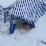 Ρωσία : Χιονοστιβάδα «χτύπησε» θέρετρο σκι – Τουλάχιστον 12 παγιδευμένοι
