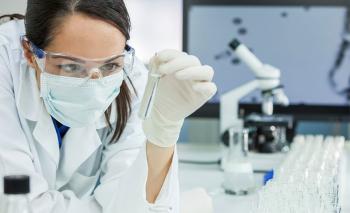 Φαρμακοβιομηχανίες: Ο εμβολιασμός πρέπει να γίνει με βάση την επιστήμη