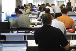 Όλες οι κρίσιμες προθεσμίες για τη στήριξη επιχειρήσεων-εργαζομένων