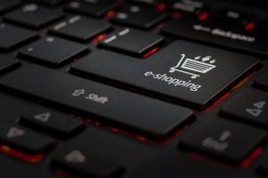 Εκτινάχθηκε το ηλεκτρονικό εμπόριο στην Ελλάδα το 2020