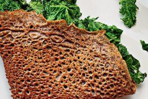 Κρέπες από φαγόπυρο με σοταρισμένα λαχανικά και σάλτσα romesco - Shape.gr
