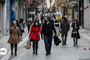 «Οι Έλληνες αρχίζουν να χάνουν την υπομονή τους» | DW | 11.02.2021