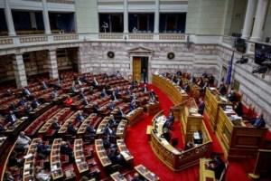 Βουλή: Κόντρα Μενδώνη - Αναγνωστοπούλου για την υπόθεση Λιγνάδη