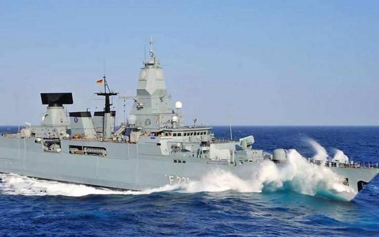 Λιβύη : Η Γερμανία στέλνει και πάλι πολεμικό πλοίο στη Μεσόγειο για επιτήρηση του εμπάργκο όπλων