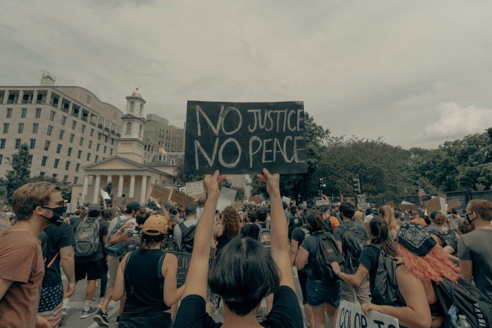 Διεθνής Αμνηστία : Ο κορωνοϊός, η καταπίεση και οι ανισότητες | Ειδήσεις - νέα - Το Βήμα Online