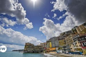 Έκκληση στους απόδημους: Στην Ιταλία για διακοπές | DW | 27.05.2021