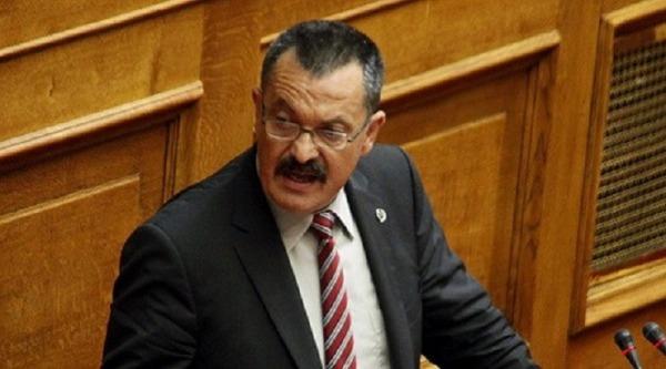 Διαπραγματεύεται η κυβέρνηση Μητσοτάκη με τον φυγόποινο χρυσαυγίτη Χρήστο Παππά;