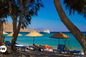 Οι Τούρκοι στο σπίτι, οι τουρίστες έξω | DW | 14.05.2021