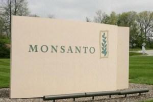 Γαλλία: Πρόστιμο 400.000 ευρώ στη Monsanto για παράνομες πρακτικές lobbying