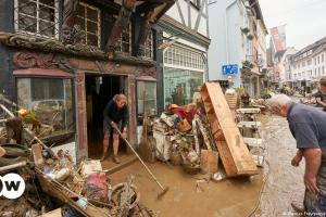 Πλημμύρες: Ενημερώθηκε ο πληθυσμός έγκαιρα;   DW   19.07.2021