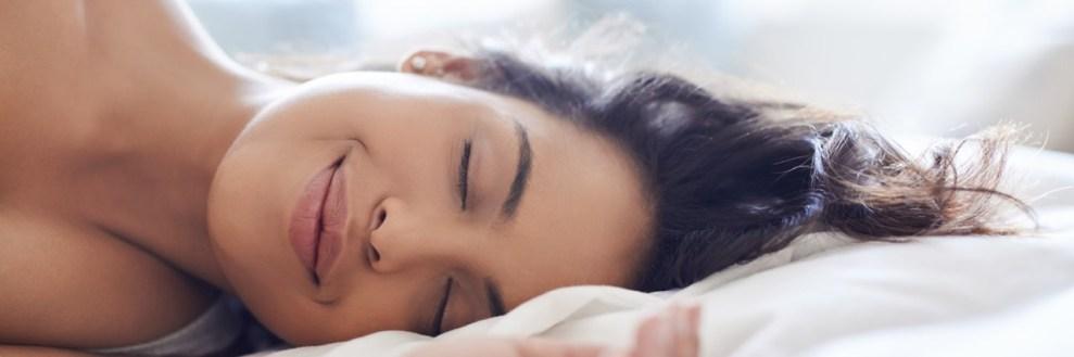 Ποιοτικός ύπνος: Ο ρόλος της μυρωδιάς του συντρόφου, μεσημεριανή σιέστα και άλλα 12 tips για να κοιμάσαι καλύτερα