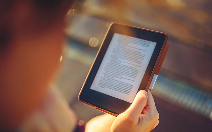 Στον χαμηλό συντελεστή ΦΠΑ μεταφέρονται τα e-books και audio books