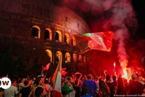 Το κύπελο «επιστρέφει» στην Ιταλία   DW   12.07.2021